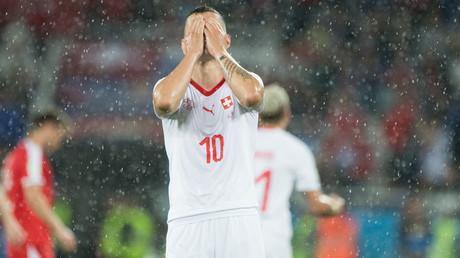 Unsportliches Verhalten: Spieler aus Schweiz bekennen sich zu Kosovo - FIFA verhängt Geldstrafen