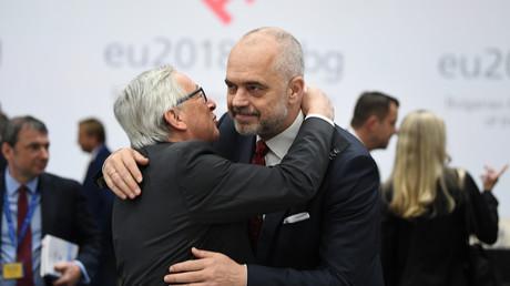 Albaniens Premier Edi Rama (r.) mit EU-Kommissionspräsident Jean-Claude Juncker im Mai in Sofia.