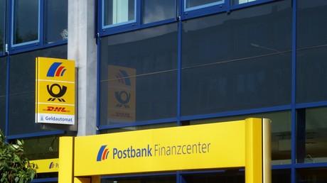 Vorauseilender Gehorsam: Postbank kündigt deutschem Rentner auf der Krim das Konto....