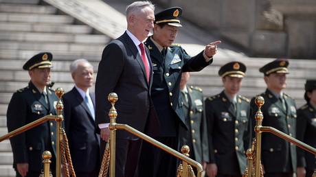 US-Verteidigungsminister Jim Mattis und der Verteidigungsminister der Volksrepublik China, Wei Fenghe, bei der Begrüßungszeremonie zu Ehren der US-Delegation.