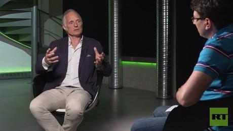 Der freie Autor Ulrich Heyden am 14. Juni im Gespräch mit RT Deutsch.