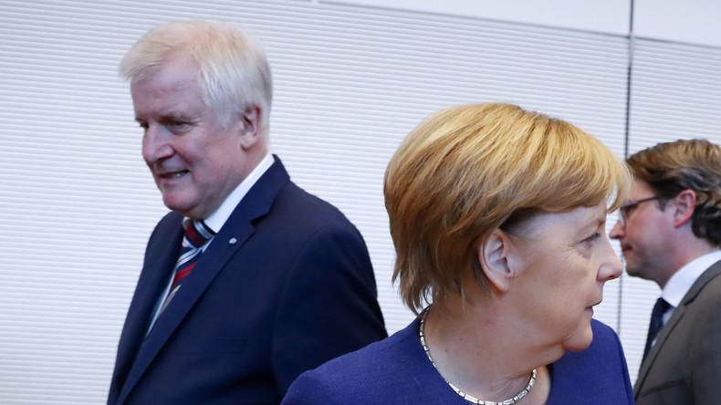 Asylstreit: Seehofer verschärft Konfrontation mit Merkel