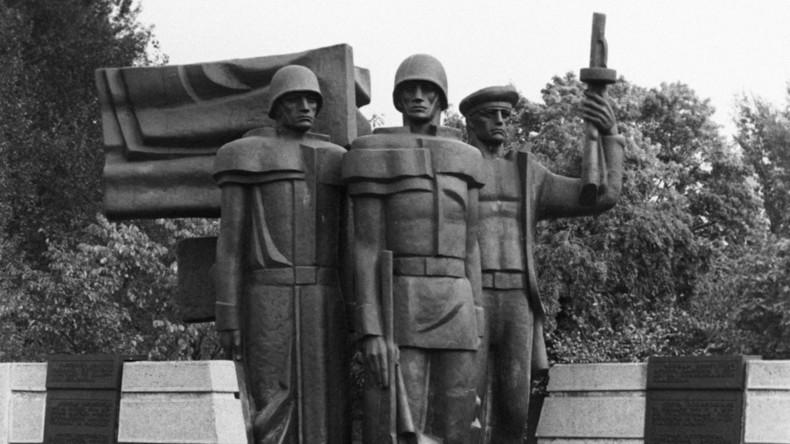 Verschärfung der Lage um sowjetische Ehrenmäler - Russland kündigt Sanktionen gegen Litauen an