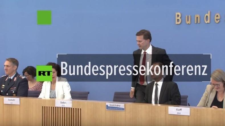 RT bei BPK: War Merkel über die Nowitschok-Operation des BND informiert - Ja oder nein?