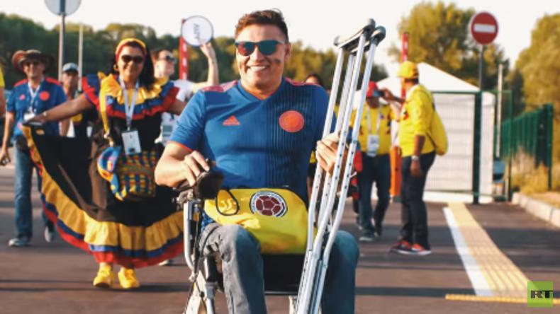 Fan-Porträt: Kolumbianischer Rollstuhlfahrer trifft auf russische Hilfsbereitschaft (Video)