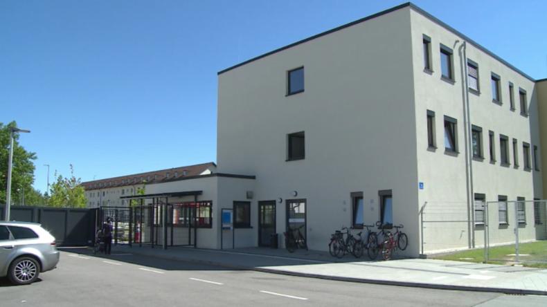 Migrationskrise: Bayerns Innenminister Herrmann präsentiert erstes künftiges Ankerzentrum
