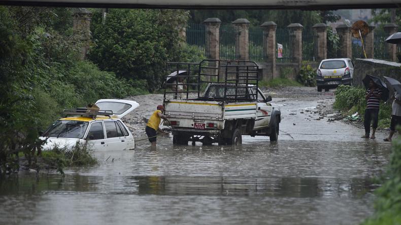 Monsunregen verursacht Überschwemmungen in Nepal - Mindestens 17 Tote