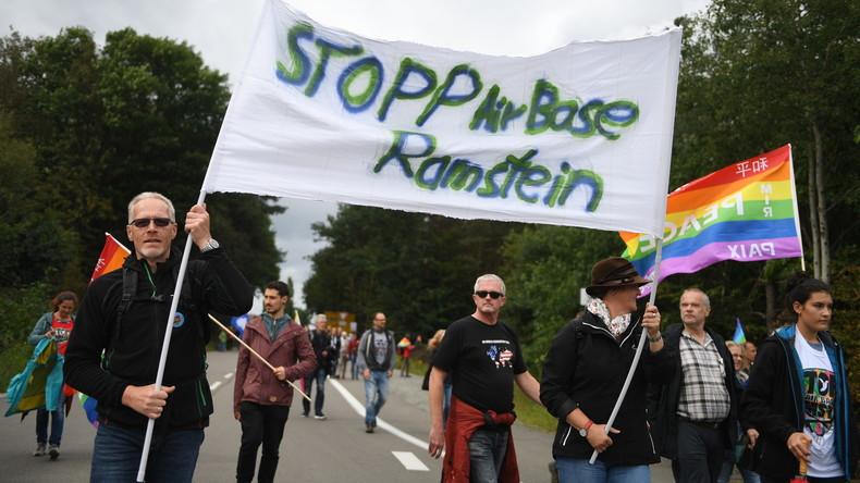 """""""Stopp Air Base Ramstein"""": Protest gegen US-Drohnenkrieg und Aufrüstung (Video)"""