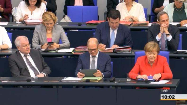 """Schlagabtausch über Migration im Bundestag: """"Die CSU hätte doch auch Jesus lächelnd abgeschoben"""""""