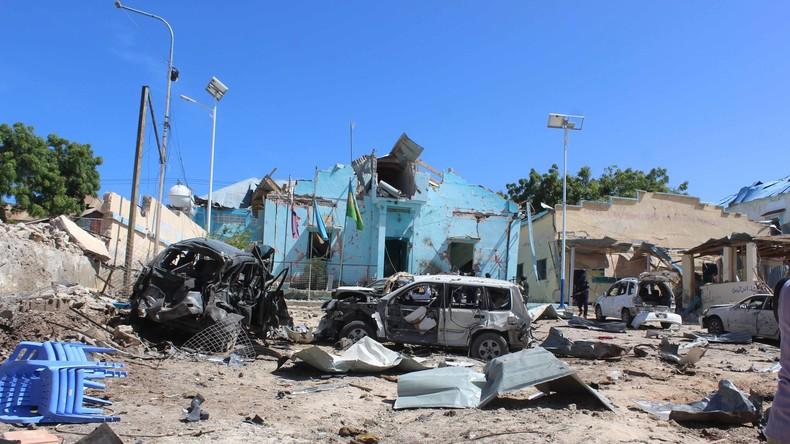 Somalische Dorfbewohner wehren sich gegen Al-Shabaab - 20 Tote