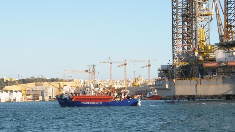 """Erste Migranten von """"Lifeline"""" verlassen Malta – Frankreich übernimmt sie"""