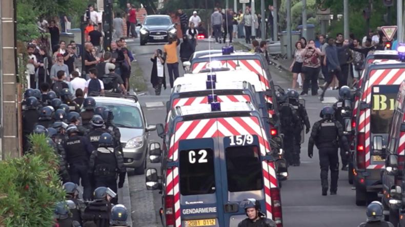 Nach tödlichem Schuss auf 22-Jährigen in Nantes: Jugendliche liefern sich Straßenkämpfe mit Polizei