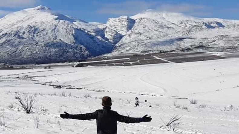 Erster Schnee seit zehn Jahren verwandelt Südafrika in Wintermärchen