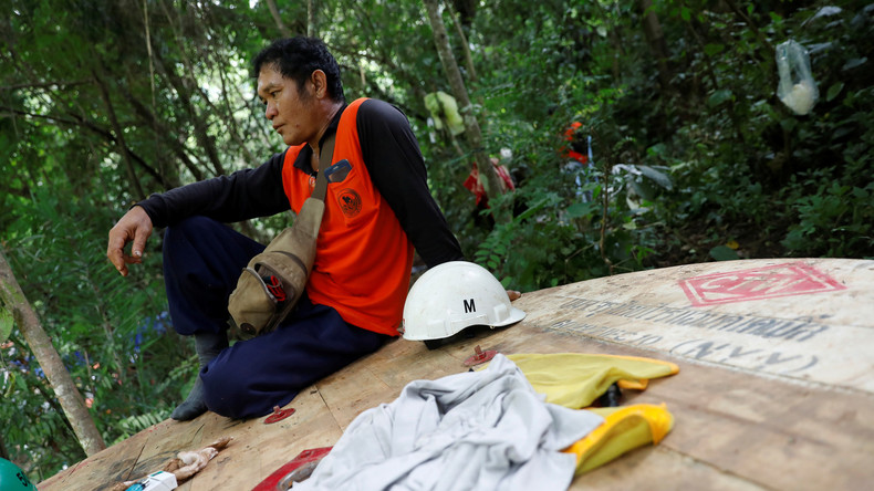 Höhlendrama in Thailand ein Spiel auf Zeit: Starkregen und Sauerstoffmangel gefährden Rettung