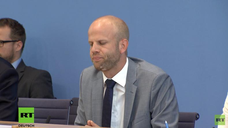 Merkel-Sprecher auf Regierungspressekonferenz: OPCW-Zwischenbericht zu Duma für uns nicht relevant