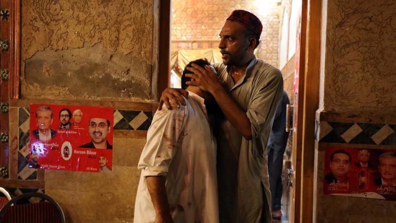 Mindestens 20 Tote bei Anschlag auf Wahlkämpfer in Pakistan