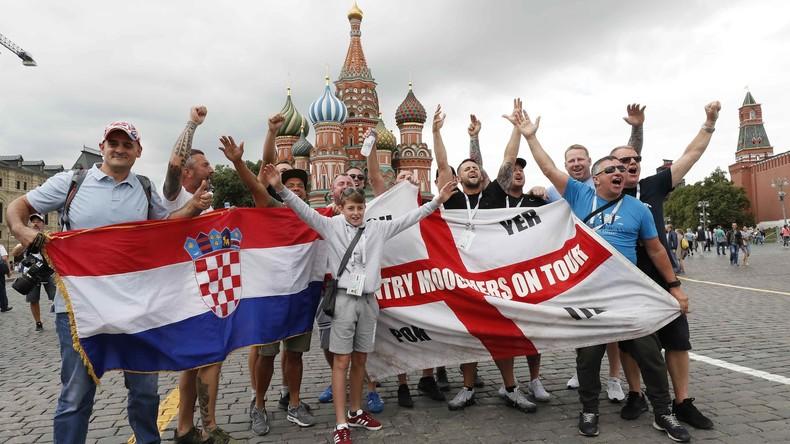 """""""Ein Gipfel an positiver Stimmung!"""" - Fußballkommentator Danila Machalin über die WM (Video)"""