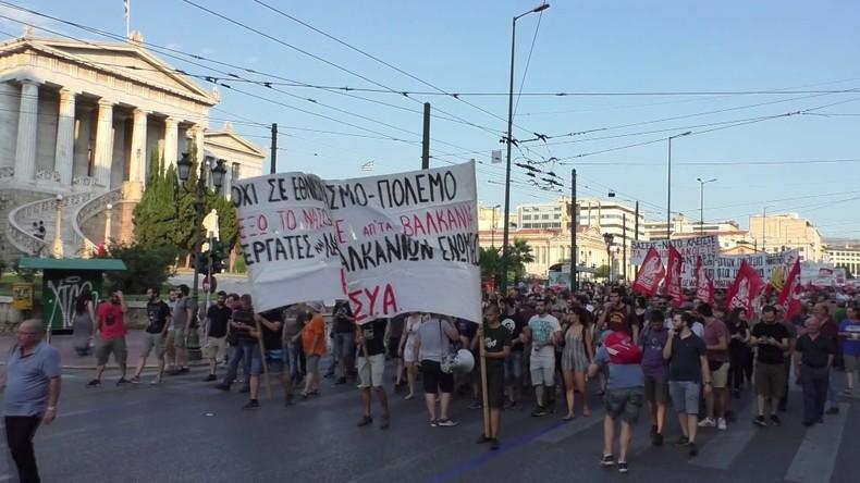 Griechenland: Anti-NATO-Demonstranten marschieren durch Athen