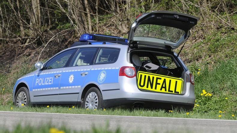 A2 stundenlang gesperrt - Fahrer übernachten auf Autobahn