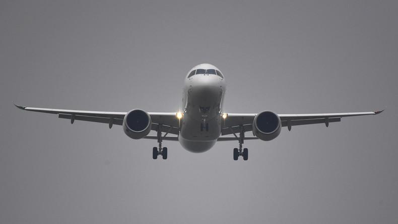Flugzeug sackt über 7.000 Meter in zehn Minuten ab – Piloten des Rauchens im Cockpit verdächtigt