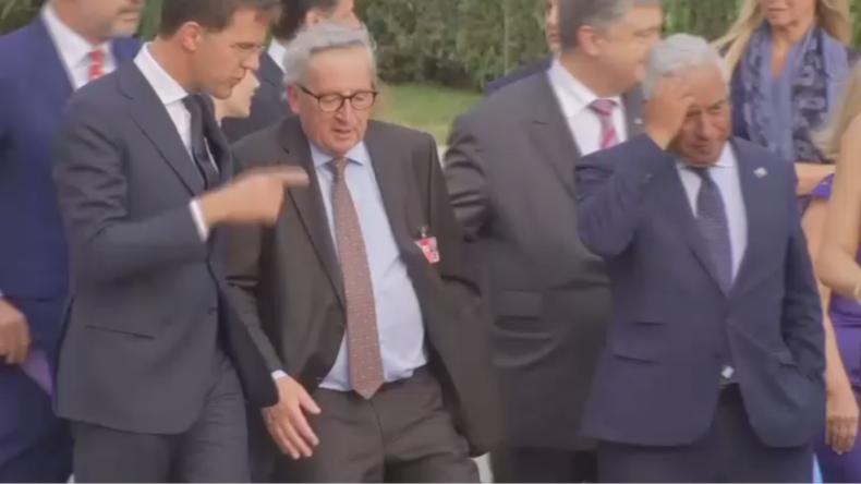 EU-Juncker torkelt durch NATO-Gipfel: Kaffee mit Schuss oder Hexenschuss? (Video)