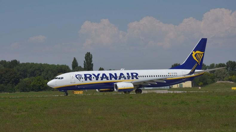 Druckabfall im Ferienflieger - 33 Passagiere in Klinik