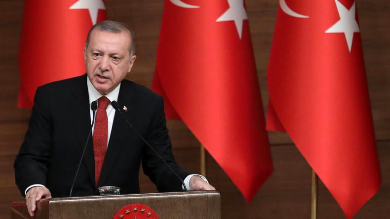 Recep Tayyip Erdoğan treibt mit sieben Dekreten Staatsumbau voran