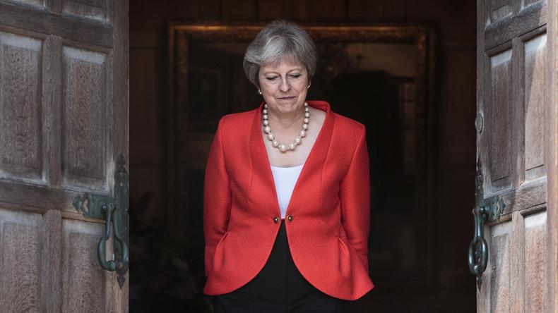 Brexit-Machtkampf: Es wird eng für Theresa May