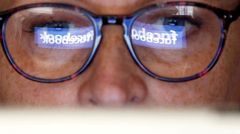 """Facebook suchte nach """"russischen Verrätern"""" (Video)"""