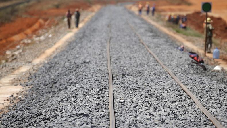 """""""Faulheit"""" oder """"Rassismus""""? Kontroverse um chinesisches Eisenbahnprojekt in Kenia"""