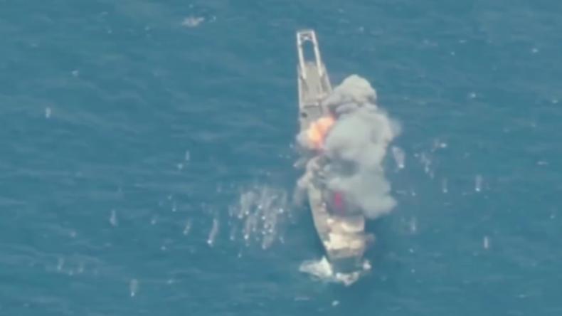Reales Kriegstraining: US-Truppen versenken mit Raketen eigenes Panzer-Landungsschiff