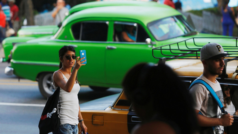Es werde Internet! Kuba baut landesweit erstes mobiles WLAN-Netz aus