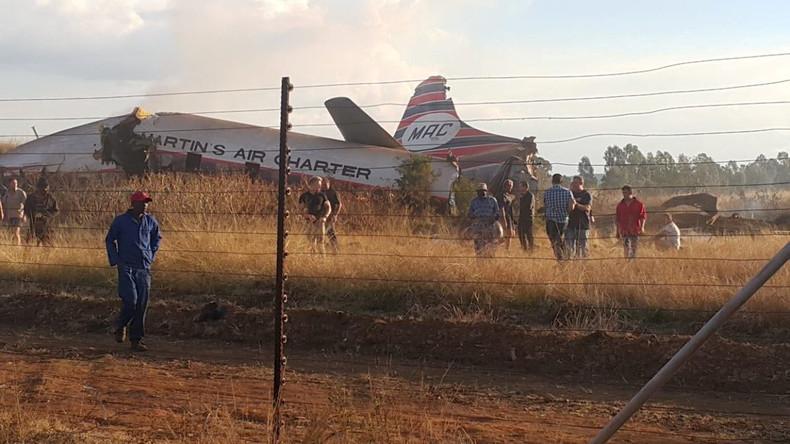 """""""Es wird immer schlimmer"""": Passagier filmt dramatischen Flugzeugabsturz aus Kabine und überlebt"""