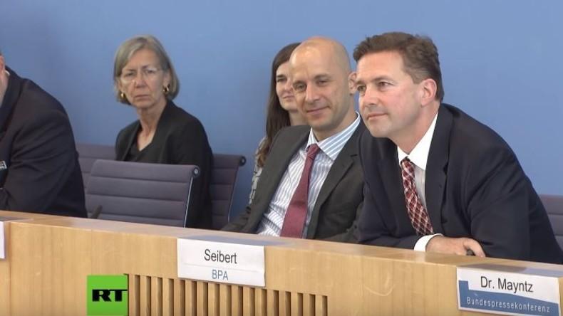 """Merkel-Sprecher Seibert blamiert sich erneut auf BPK: """"Wir sind vor allem auch gar kein Regime"""""""