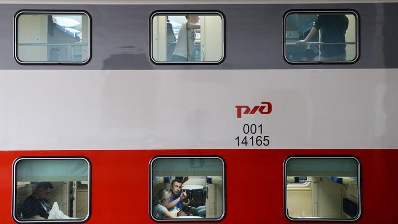 Fußballfans fügten russischer Bahnfirma großen Schaden zu: Sie nahmen Bettwäsche und Geschirr mit