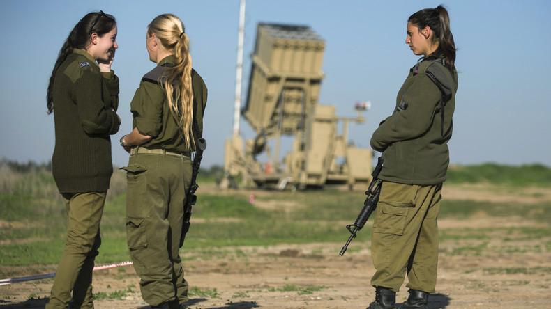 Nicht Rauchen, knielange Shorts, BHs auch nachts: Israelische Armee verschärft Bescheidenheitsregeln