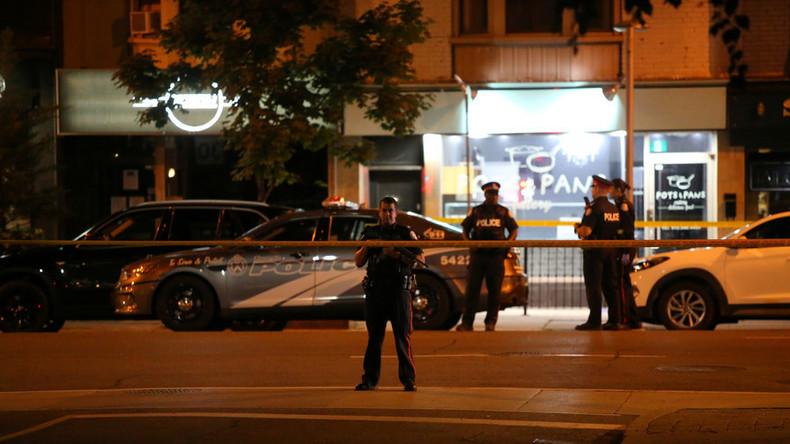 Schüsse in Toronto: Eine Tote, 13 Verletzte