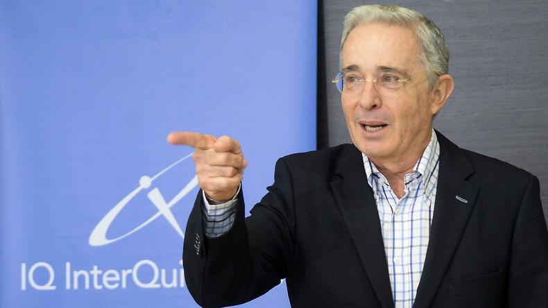 Kolumbiens Ex-Präsident tritt wegen Ermittlungen als Senator zurück