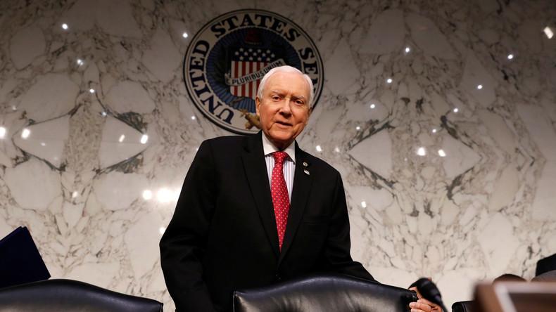 Ja, er lebt noch: US-Senator Hatch macht sich über Google lustig, das ihn für tot hält