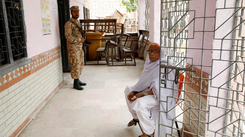 Pakistan: Mindestens 28 Tote bei Selbstmordanschlag nach Wahlbeginn