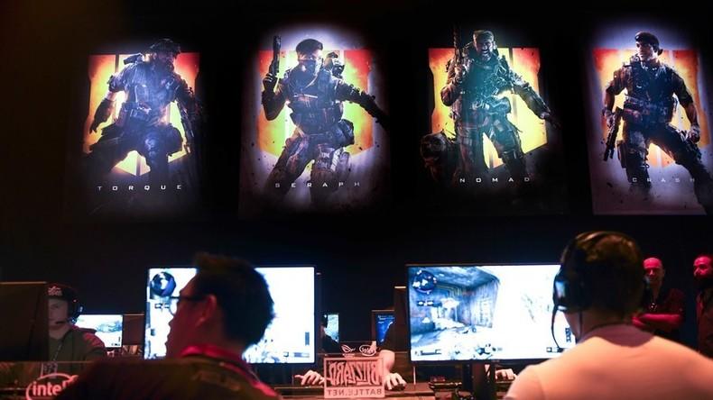 """Profi-Gamer trennt sich von der """"heißesten Wetterfee"""" – um sich auf Call Of Duty zu konzentrieren"""