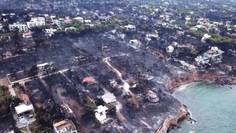 Drohnenaufnahmen aus Griechenland: Ausmaß der Katastrophe noch unklar – Dutzende vermisst