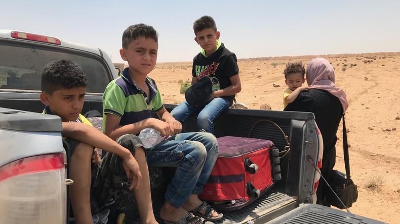 Flüchtlinge kehren durch Kontrollpunkt Nassib an Jordaniens Grenze nach Syrien zurück