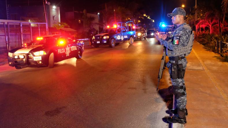 Auseinandersetzung zwischen mexikanischen Polizisten und Bandenmitgliedern in Touristenort Cancún
