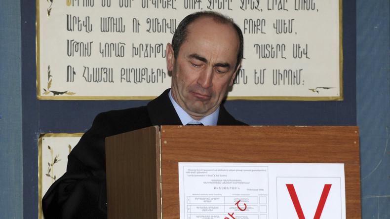 Armeniens Ex-Präsident Robert Kotscharjan kommt in Untersuchungshaft
