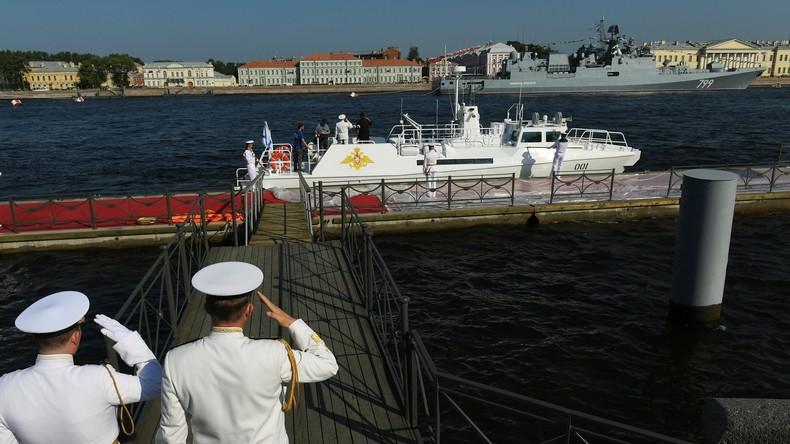 LIVE: Tag der Marine in Sankt Petersburg