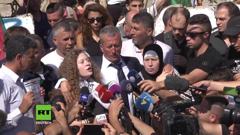 Palästina: Nach israelischer Haft Teenagerin Tamimi zurück in den Armen der Eltern