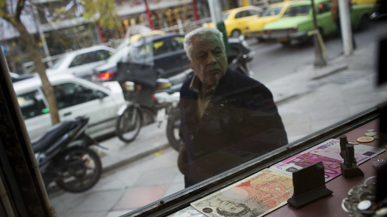Noch vor neuen US-Sanktionen: Rekordverfall der iranischen Währung im Stundentakt