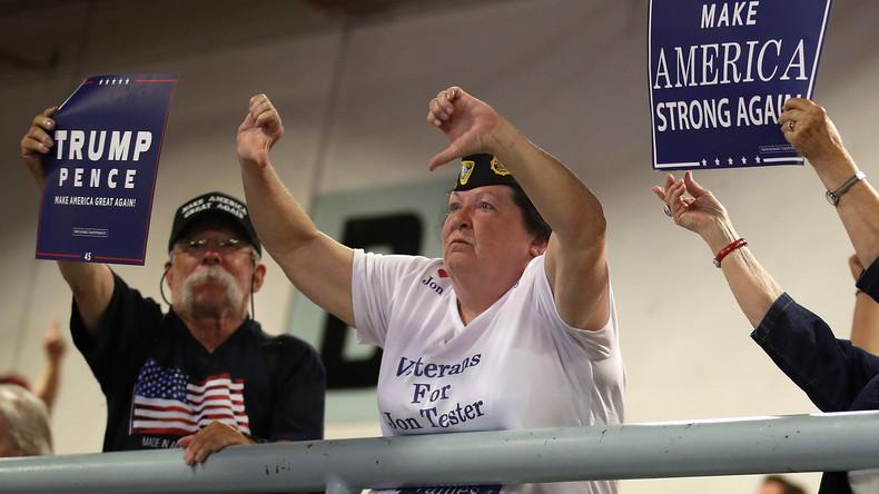 Nur Trump-Wähler und Rechte sind Verschwörungstheoretiker: Die Aluhut-Theorie der Liberalen (Video)