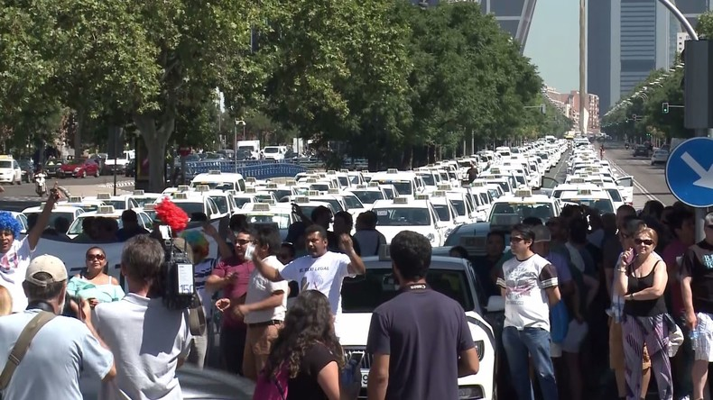 Madrider Taxifahrer protestieren gegen Taxidienst-Apps wie Uber